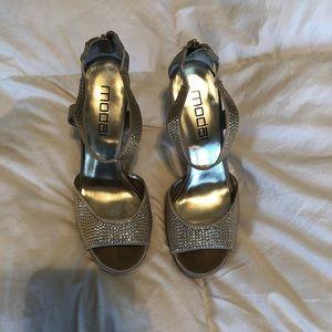Tan/cream Moda Spana heels.